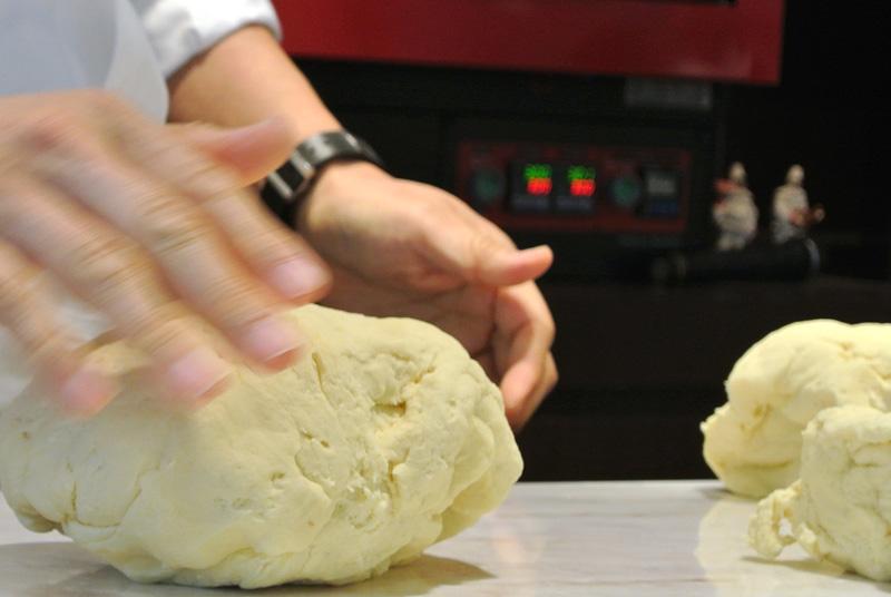 「ガレート・デゥ・パタテゥ」のしっかりしたパン生地