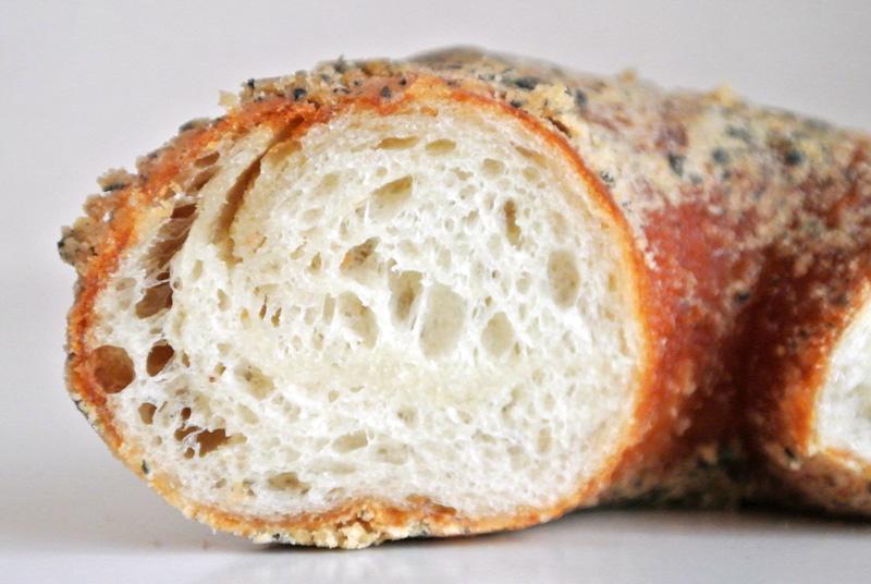 レーズン酵母でパンのようにムギュムギュした歯ごたえを楽しめる