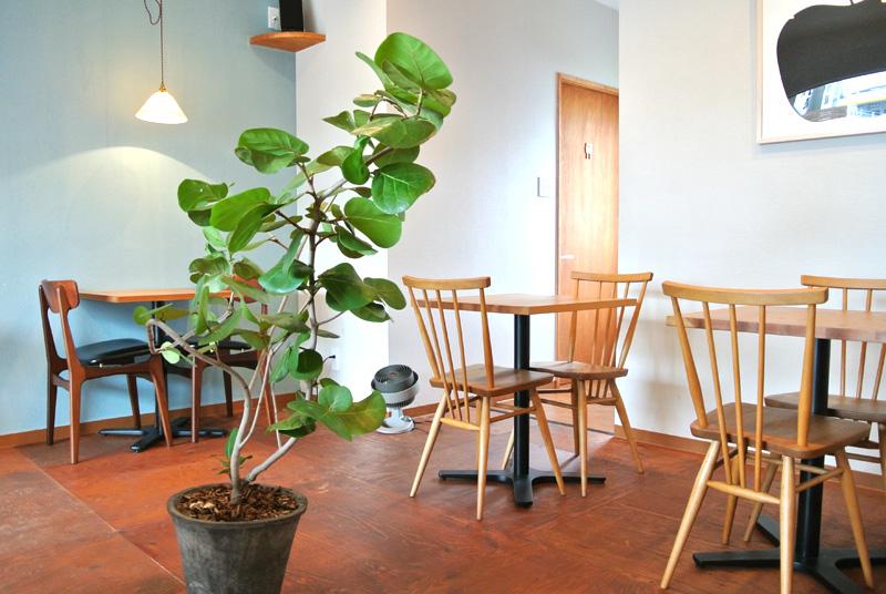 one too many morningsのカフェはイベントスペースとしても貸し出している