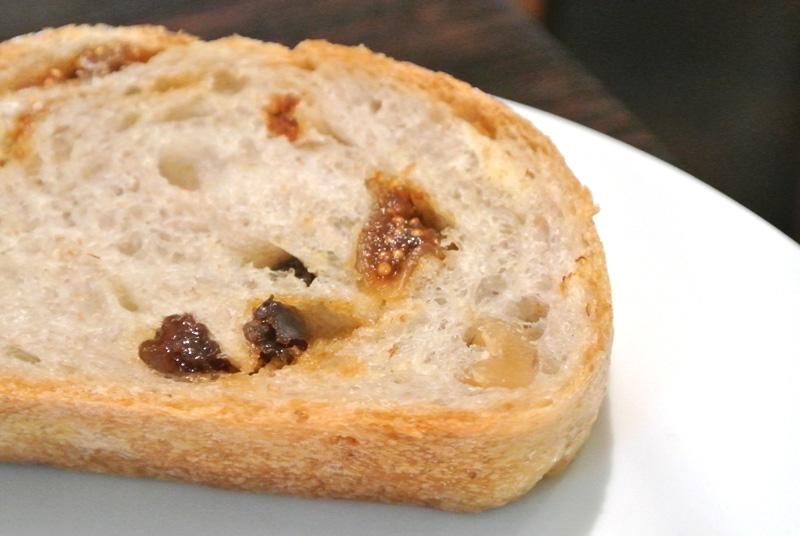 グロワール「いちじくとくるみの自家製酵母パン」