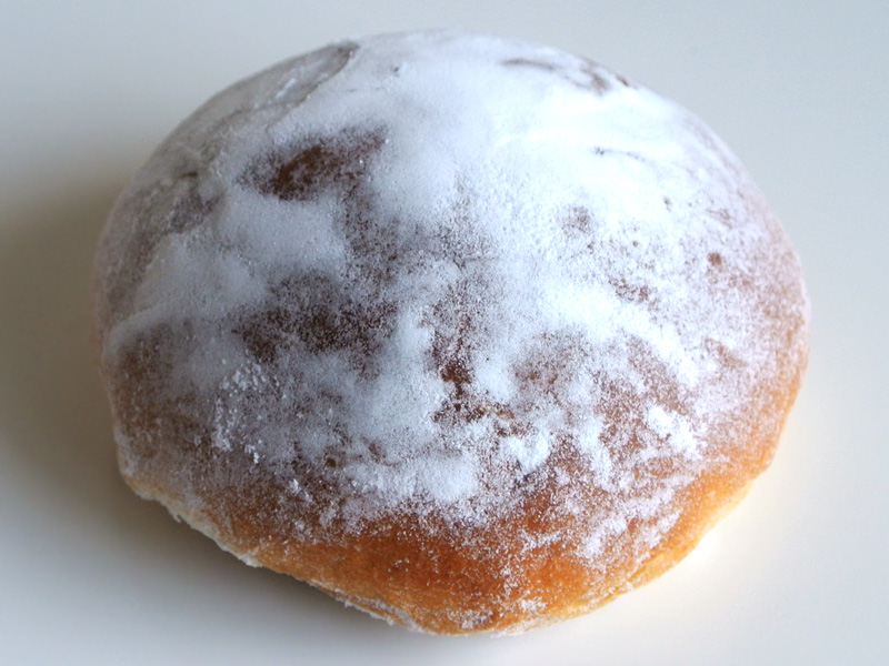 灼熱の京都祇園祭でル・プチメックオマケの冷えたクリームパンを頬張りたい。