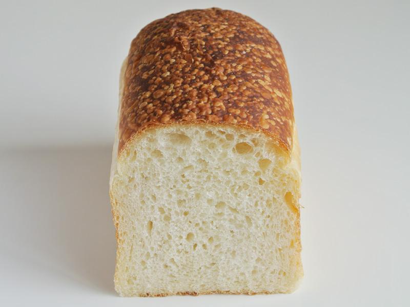 北海道喜茂別町ソーケシュ製パン×トモエコーヒーの食パン