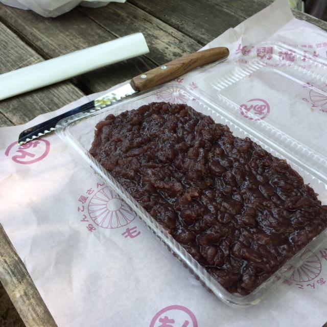 中村製餡所の粒あんとパン切り包丁