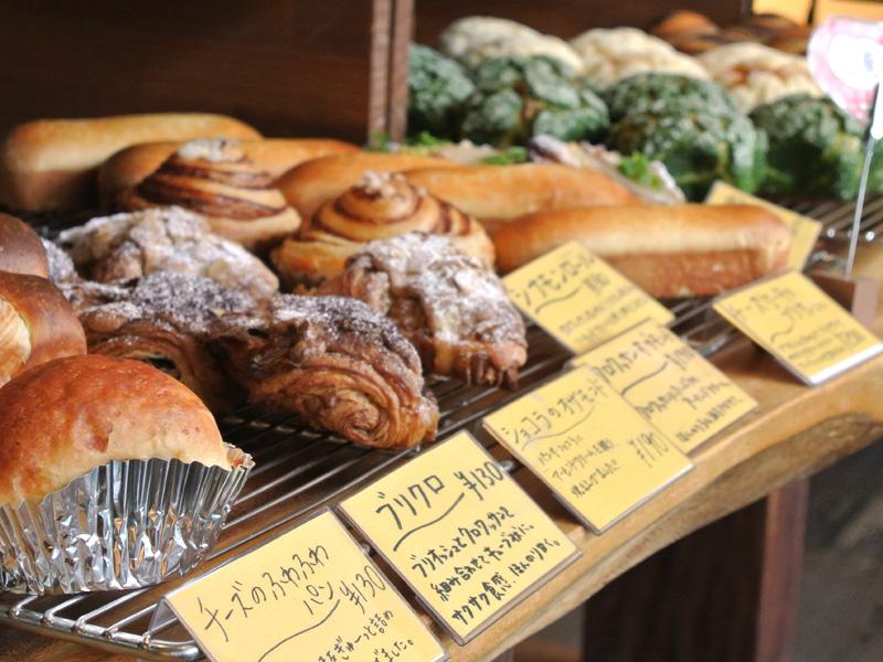 京都北大路「雨の日も風の日も」の焼き立てパン