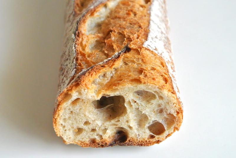 Boulangerie 6のバゲット・ルヴァン