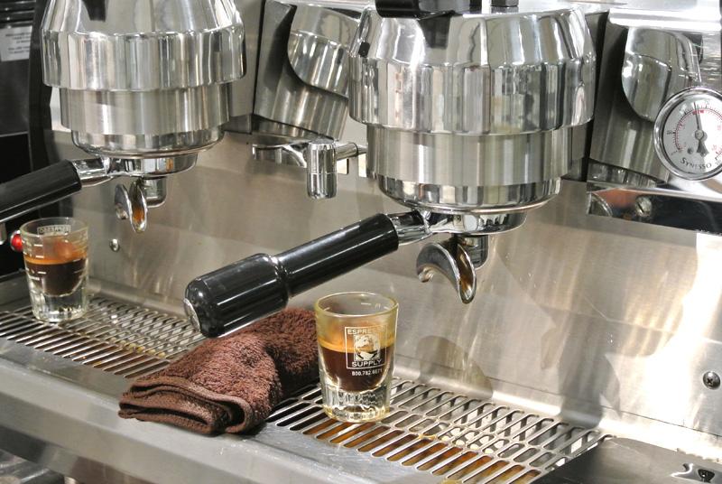 スペシャルティコーヒー ウニールのエスプレッソマシン