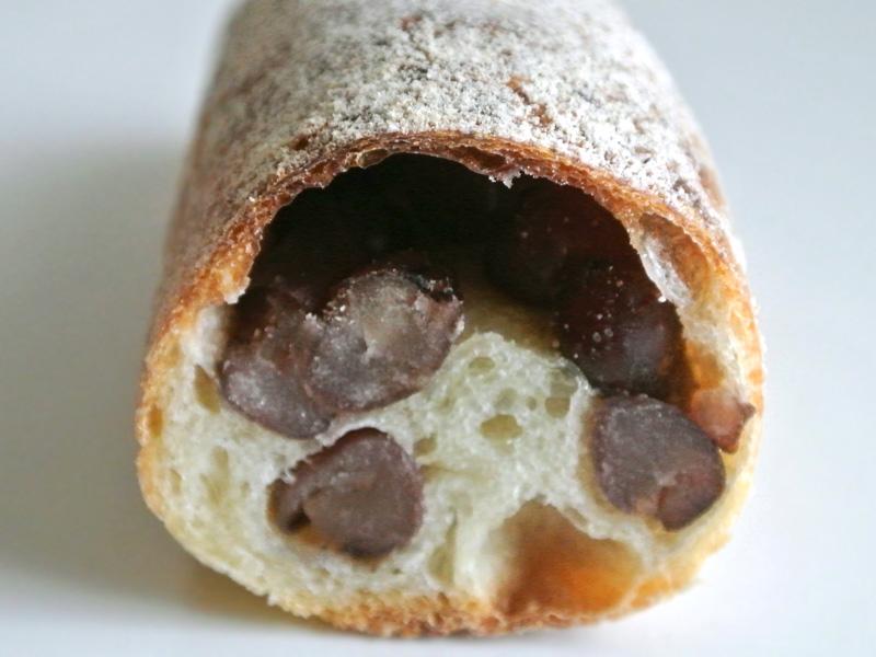 大納言とフランスパン生地のマリアージュを楽しめるナカガワ小麦店の「アン」